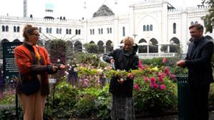Cutting the flower ribbon in tivoli